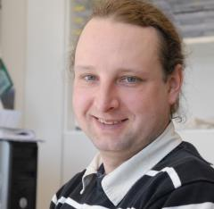 The environmental scientist Dr. Daniel Pröfrock is doing his Research in the Department of Marine Bioanalytical Chemistry in the Institute for Coatsal Research