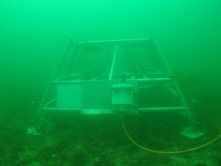 The underwater node in the baltic sea.