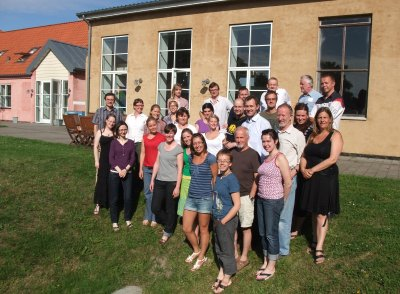 The students and scientists of the summer school