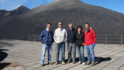 Prof. Dr. Ralf Ebinghaus in a group of international scientists in front of the vulcano Mount Etna [Download]